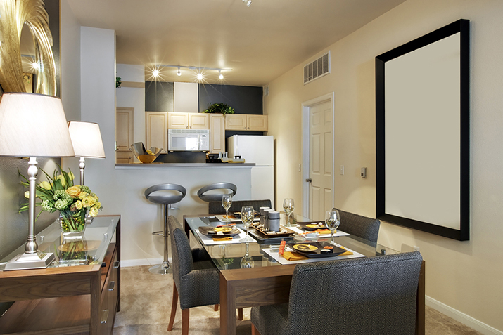 imagens decoracao ambientes pequenos:Możesz zamontować dość głęboką półkę (minimum 30 – 35
